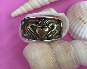 Celtic Claddagh sterling silver ring L017