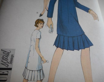 RARE Vintage 1960's Vogue 6391 Special Design Tunic Dress Sewing Pattern Size 10 Bust 31