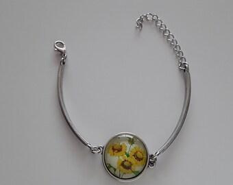 Silver metal cap sunflower bracelet