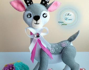 Deer toy of felt