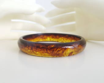 Cool Vintage 1980s Root Beer Swirl Bangle Bracelet - Root Beer Lucite - Gift for Wife - Gift for Her