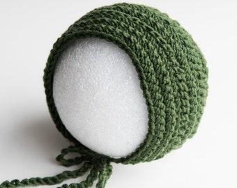 Green Crochet Baby Hat Newborn Bonnet Photography Prop