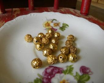 Perles vintage Rosebud en plastique
