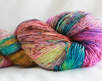 GIRLS CLOTHES- Speckle dyed Super wash merino single ply 100 grams (400 yards) free shipping