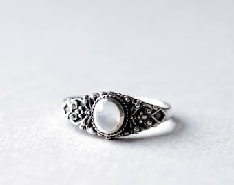Mother of Pearl Ring, Oval Ring, Boho Ring, 925 Sterling Silver Ring, Art Deco Ring