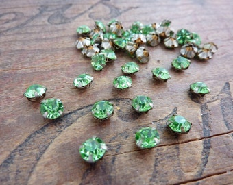 Vintage Glass Rhinestones 5.5mm Green Sew On (10)