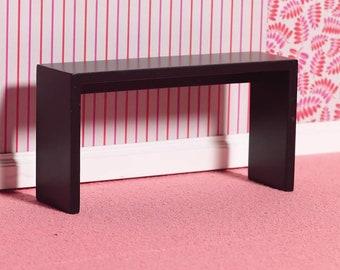 Dollhouse Miniature furniture in twelfth scale or 1:12 scale.  Item #C159.