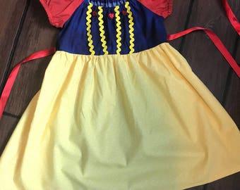 Girls Princess Snow White Dress Up Costume