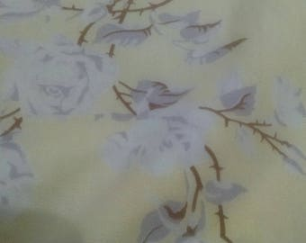 Wilendur Tablecloth  / Vintage Tablecloth /  Retro Table Linens / Yellow with Grey  Roses / 32 x 35 inches