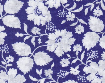 11 Precut 4 Inch Squares - White Flowers On Navy Background Cotton Fabric ~ Scrap Quilting ~ Piecing ~ Fun Projects