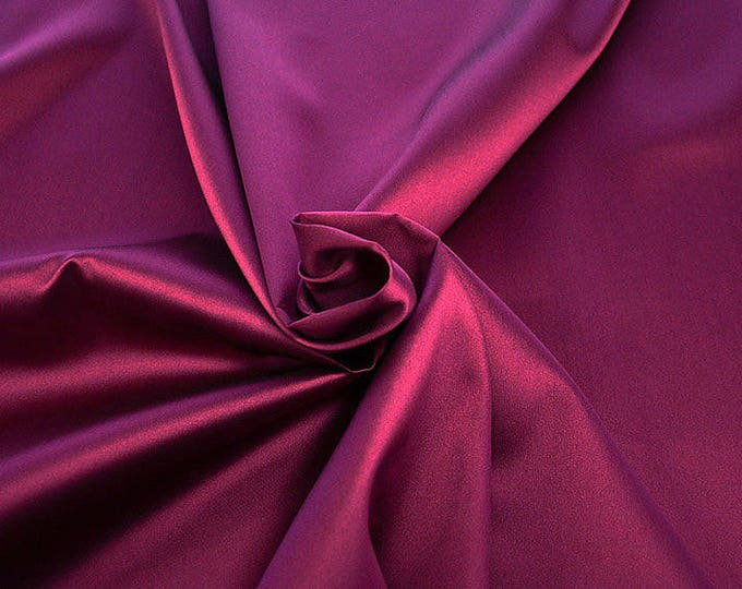 274137-Mikado-82% Polyester, 18 silk, 160 cm wide, made in Italy, dry cleaning, weight 160 gr, price 1 meter: 54.81 Euros