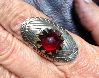 Berber Ring with Red Glass from S Morocco, US size: 9 (inner diameter 1.9 cm)