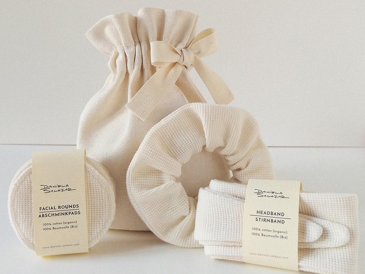 A set of reusable cotton spa accessories.