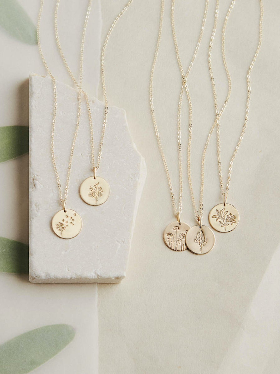 Floral pendant necklaces and other meaningful Mother's Day gifts from Etsy