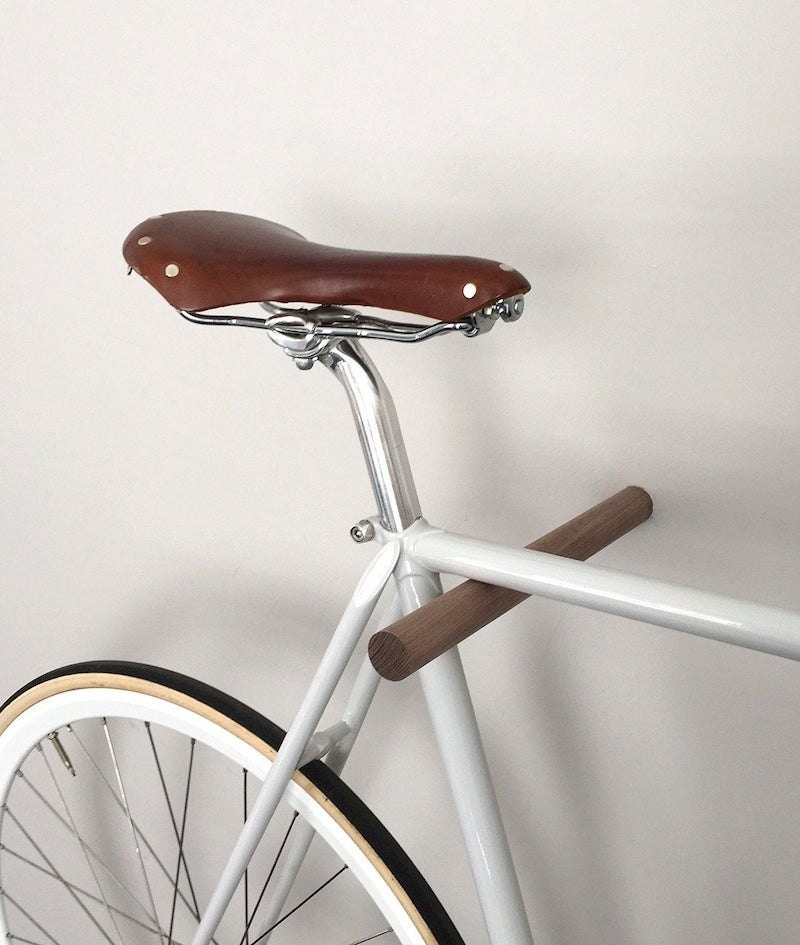 Wall-mounted bike rack from fluo
