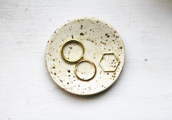 etsy-how-to-polymer-clay-pepper-ring-dishes-finish