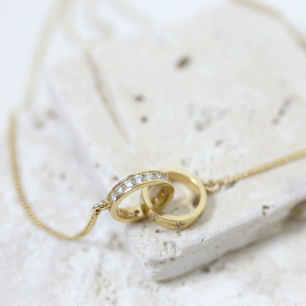 An interlocking friendship link necklace from EVREN.