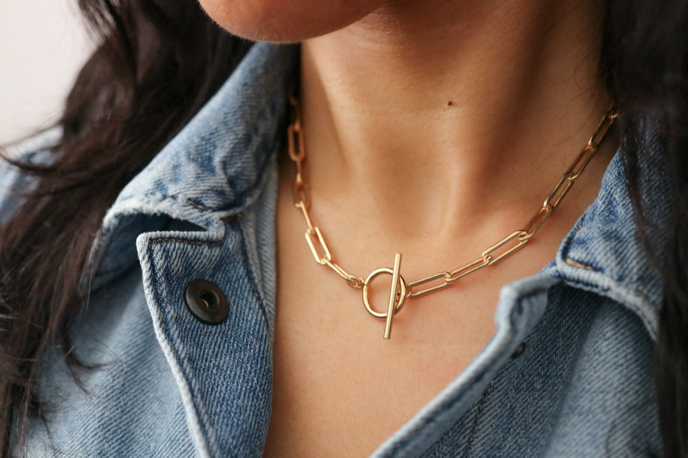 A toggle clasp necklace from EVREN.
