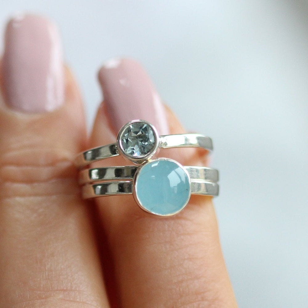 Personalized aquamarine birthstone stacking ring from Soremi Jewellery