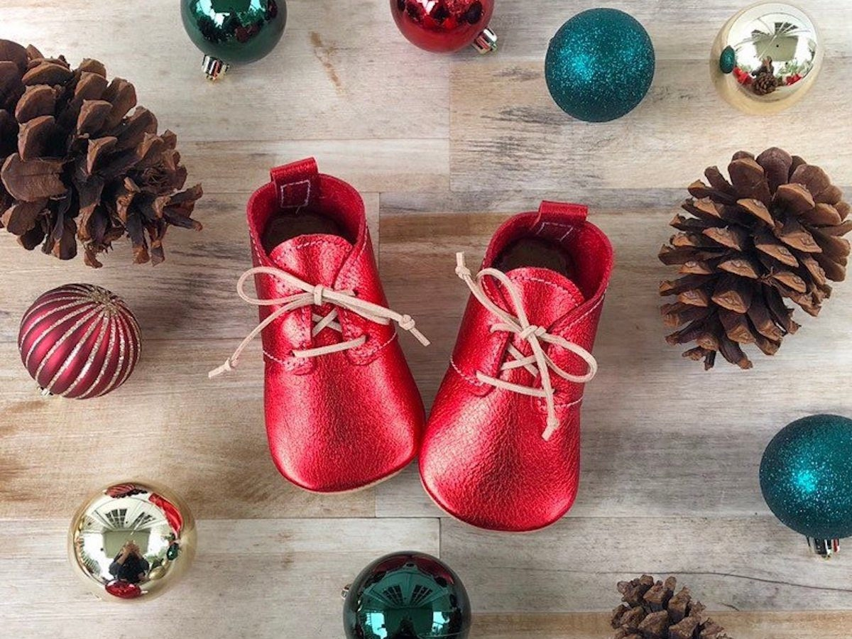 Metallic red leather kids' shoes