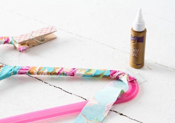 fabric-wrapped-hangers-004