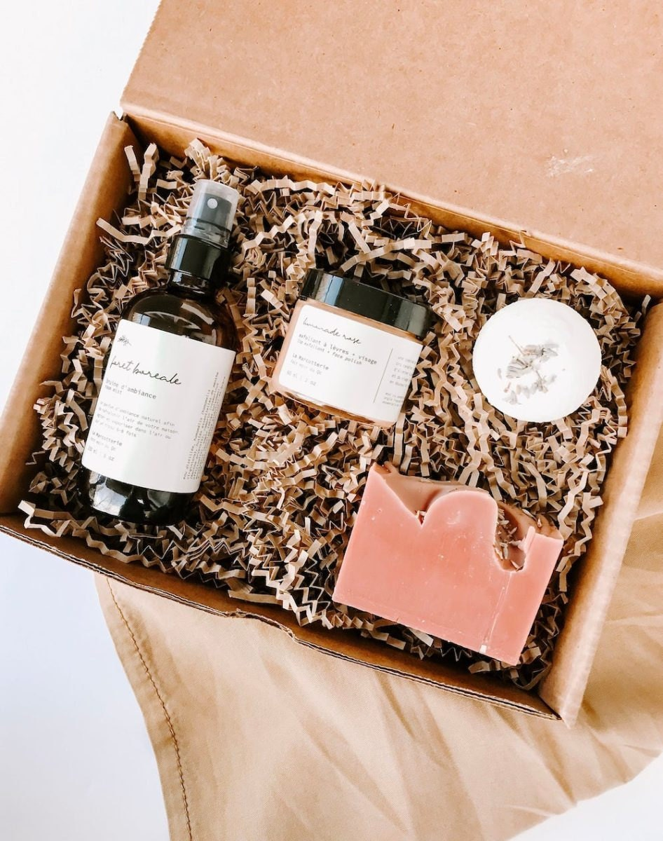 Custom spa sets and other meaningful Mother's Day gifts from Etsy