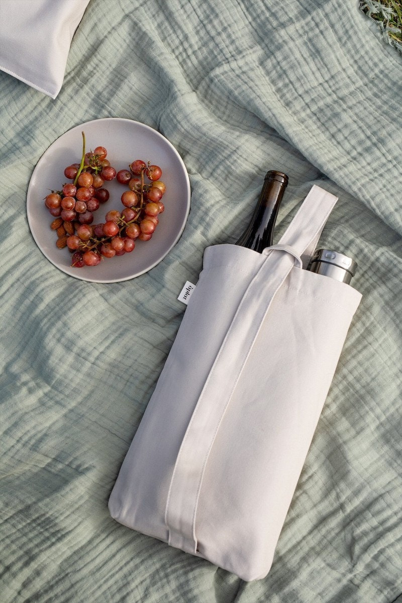 Reusable food totes from Etsy