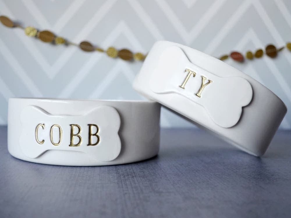 Personalized ceramic dog bowl by Susabellas on Etsy