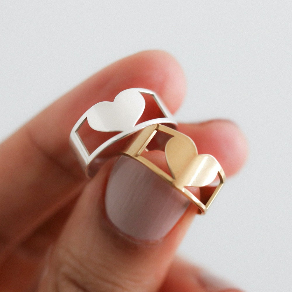Silver and gold engravable heart rings from EVREN.