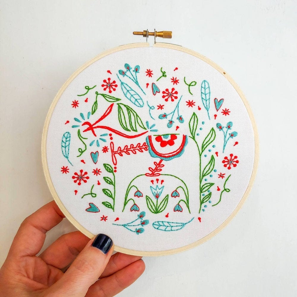 Dala horse embroidery from Etsy seller Cozy Blue