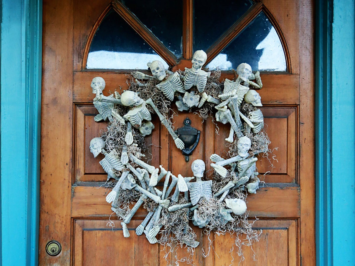 Finished DIY skeleton wreath
