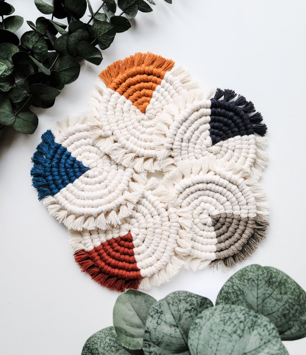 Color-blocked macrame coasters from Sweet Home Alberti