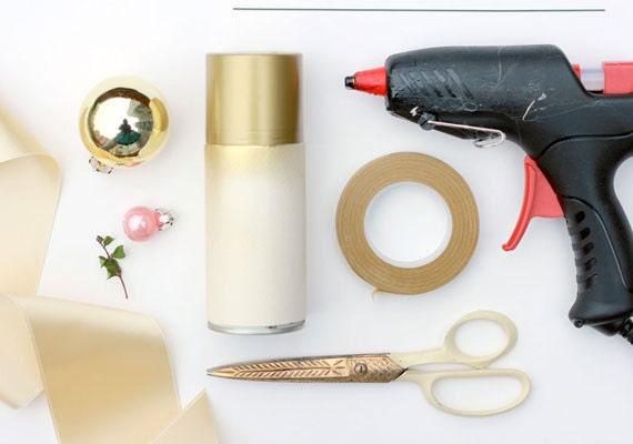 brittanywatsonjepsen-thehousethatlarsbuilt-bulbdiy-etsyweddings-weddingshowto-materials1