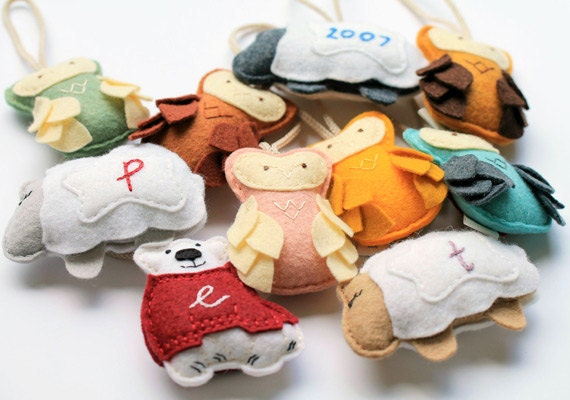 etsy-featured-shop-ordinary-mommy-designs-ornaments-many