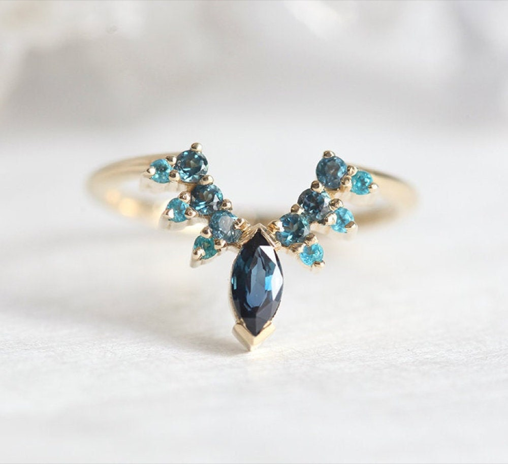 A marquise sapphire ring from MinimalVS