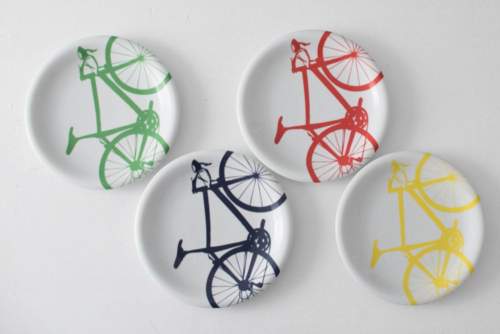 Bicycle dinner plates from Vital Industries
