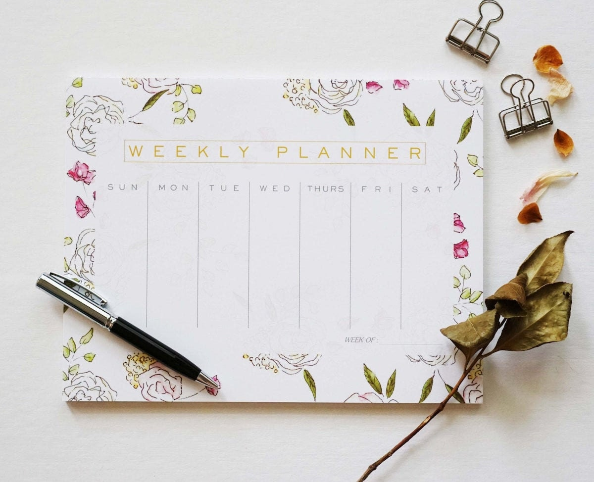Tear-off weekly planner from Ginably