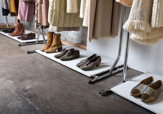 vaux-vintage-showroom
