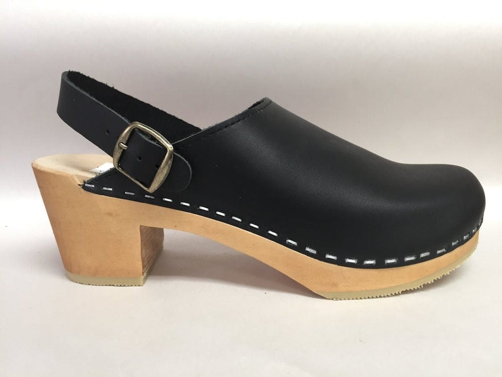 Black leather fall fashion clogs from Chameleon Clogs