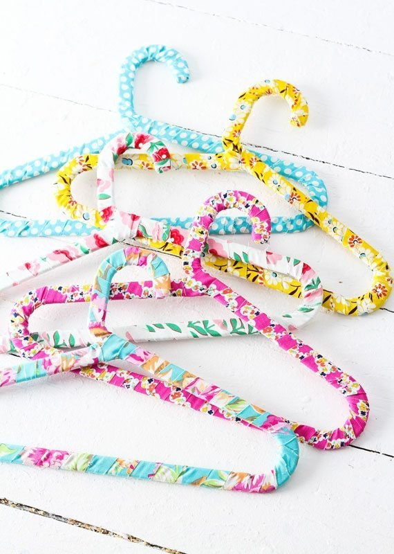 fabric-wrapped-hangers-set