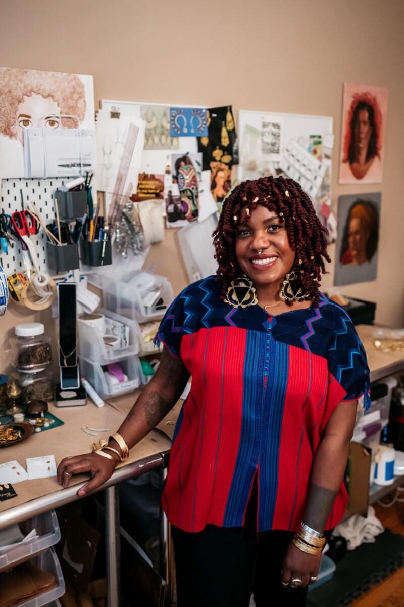 Portrait of Alicia in her studio