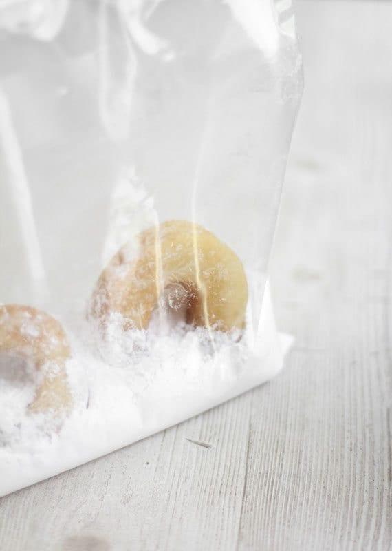 SprinkleBakes-Etsy-Stacked-Donuts-Powdered-Sugar-Bag