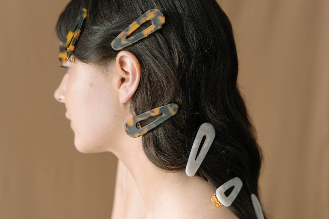 90s-inspired hair clips from Foe & Dear