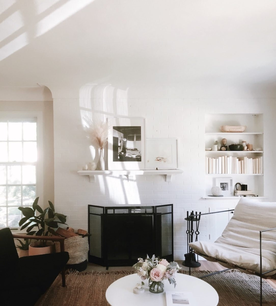 Lisa Hackwith's serene and chic living room