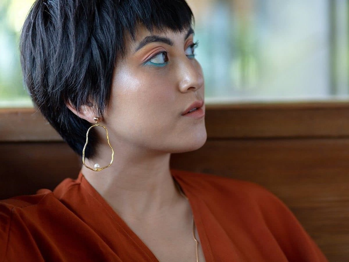 Pearl earrings from Dea Dia