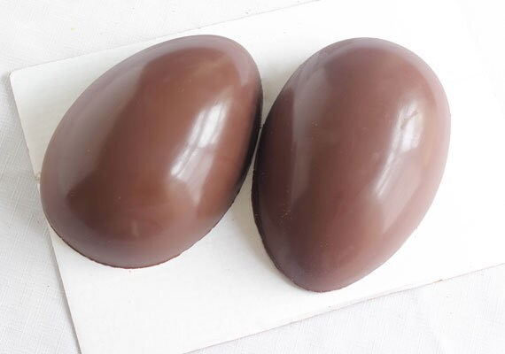 how-to-make-a-hollow-chocolate-egg-heather-baird-sprinklebakes-etsy-011