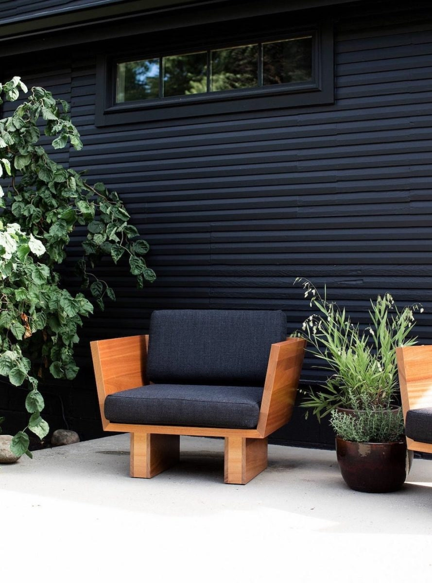 Modern outdoor lounge chair from Bertu Home