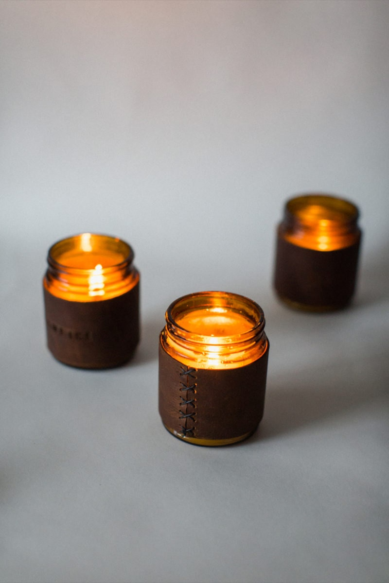 candles_vertical_gray