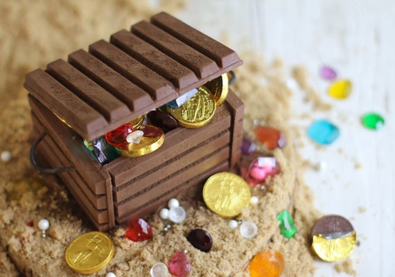etsy-how-to-sprinklebakes-jewel-treasure-chest-015