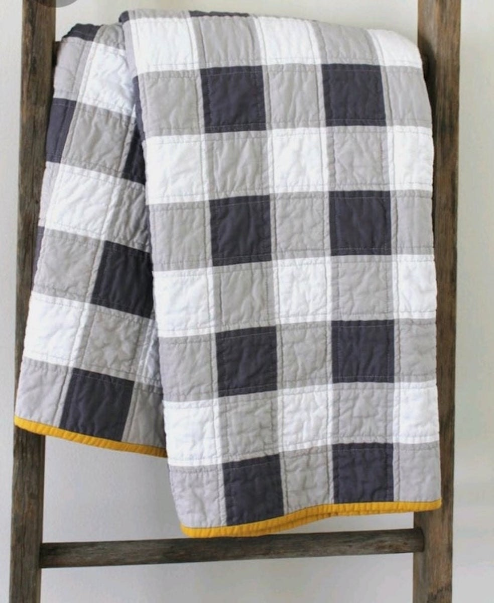 A gingham blanket quilt pattern from Etsy